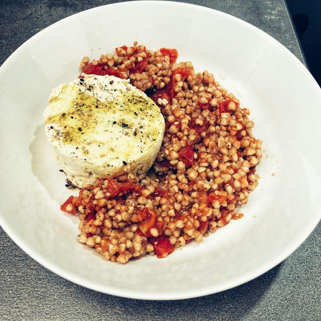 francesca-valmassoi-grano-saraceno-tofu-pomodorini